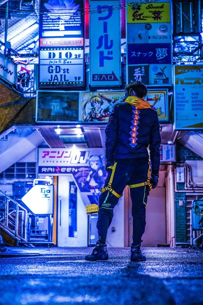 Kerajinan Seniman Jepang Masker Setan Cyberpunk yang Luar Biasa