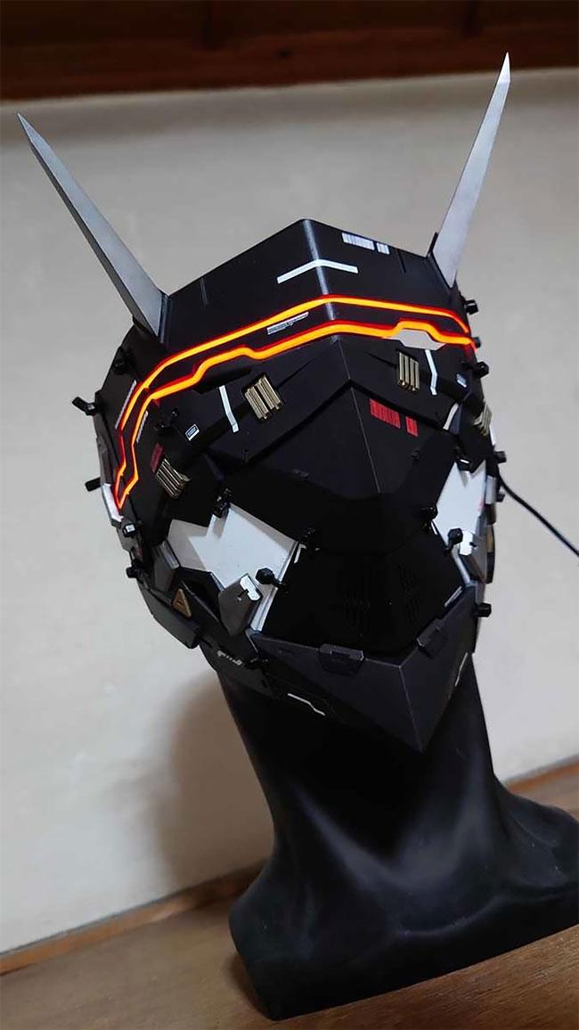Kerajinan Artis Jepang Masker Setan Cyberpunk yang Luar Biasa