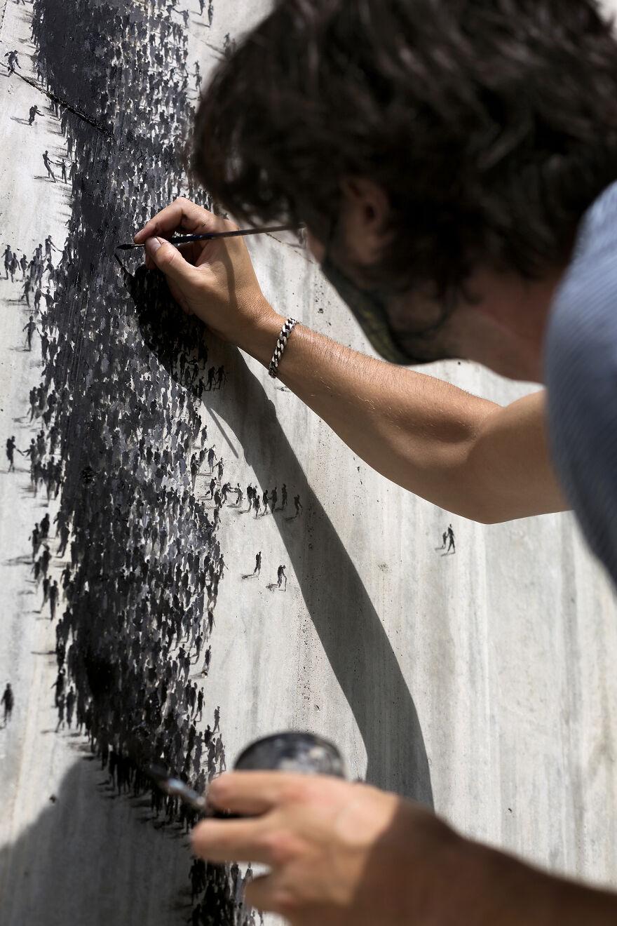 """""""Kekuatan"""": Seniman Jalanan Melukis 3 Mural Di Rumah Sakit Lokal Sebagai Penghargaan Untuk Pekerja Kesehatan Spanyol"""