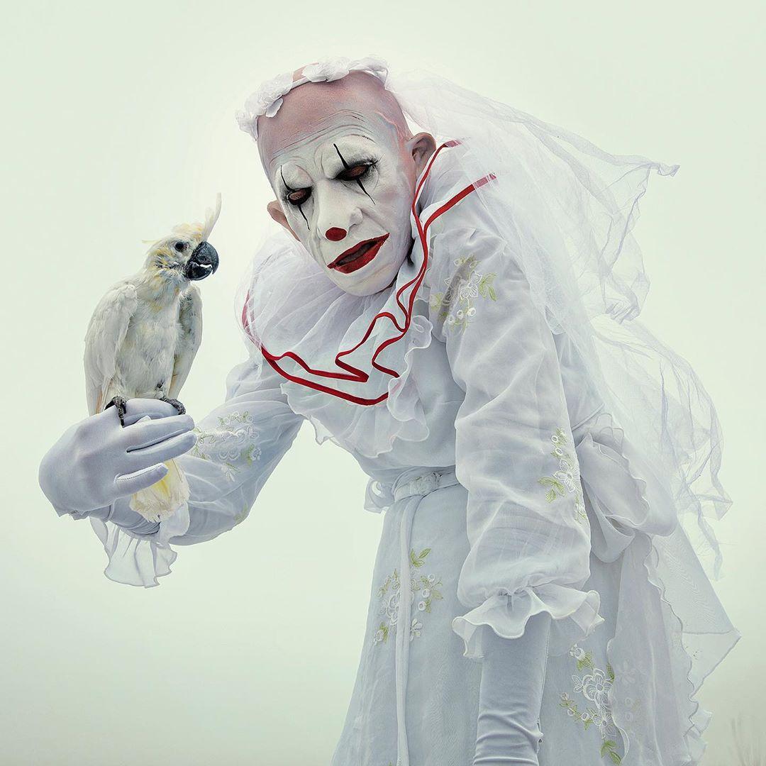 Beautiful Bizarre: Weird and Wonderful Post-Mortem Fairy Tales oleh Mothmeister